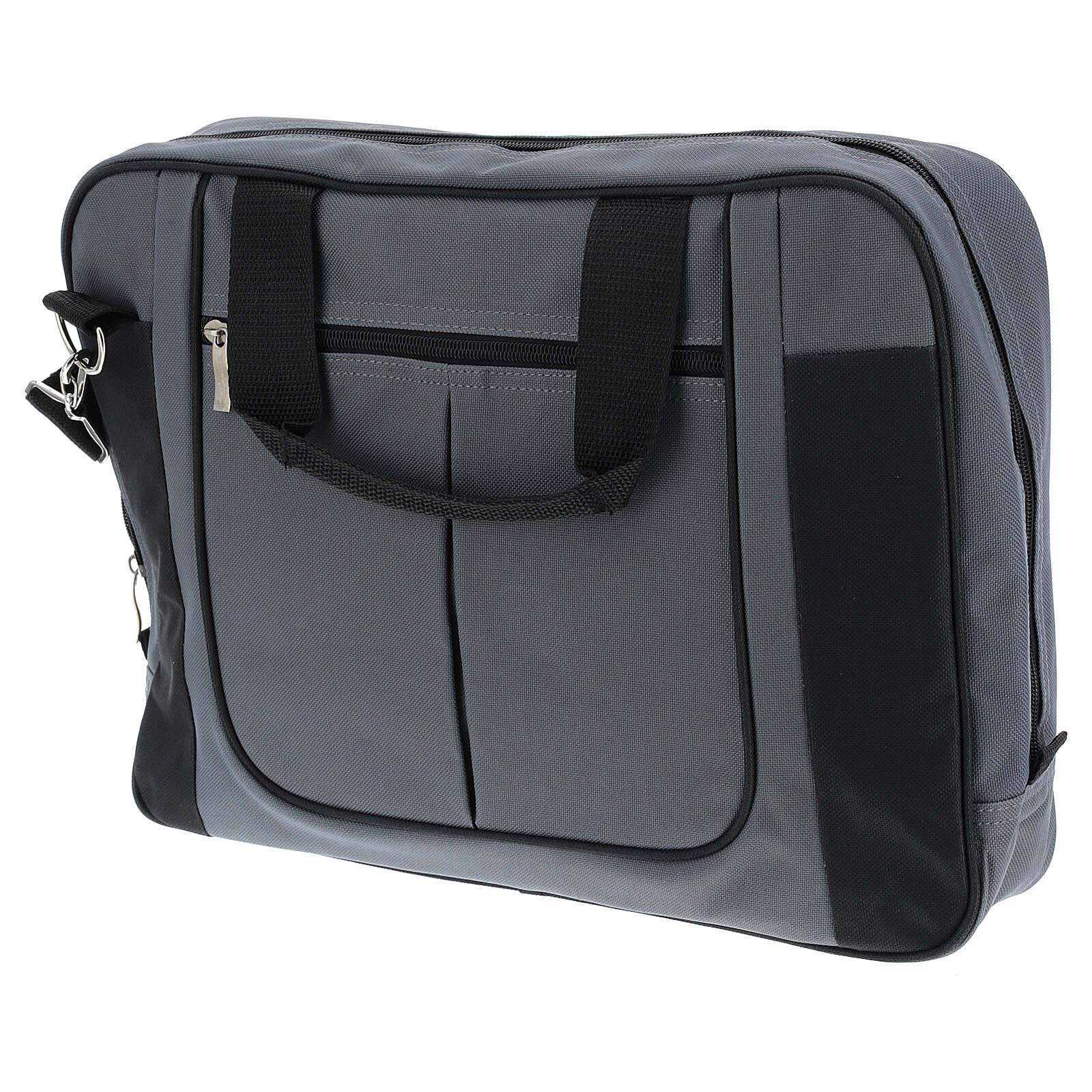 Modern travel mass kit 3