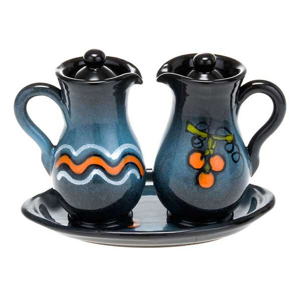 Ceramic amphora cruet set 4