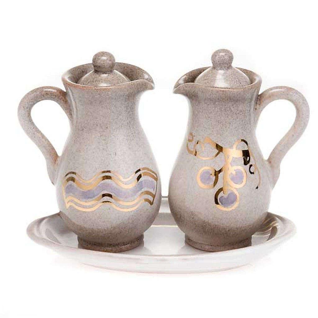 Ceramic amphora cruet set 4