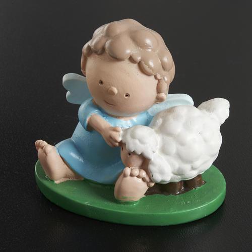 Anjo com ovelha 6x5 cm resina corada 2