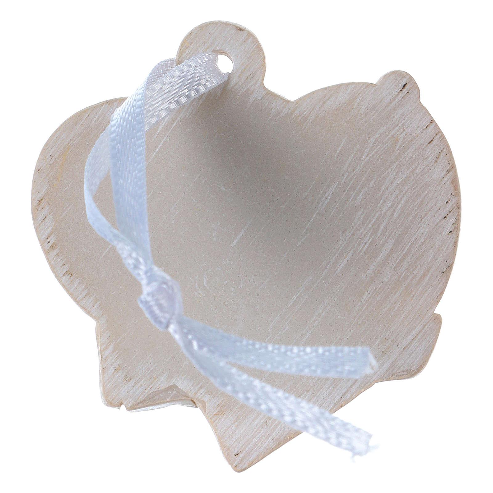 Anges 4,5 cm en résine colorée sur coeur beige à suspendre 20 pcs emballage 3