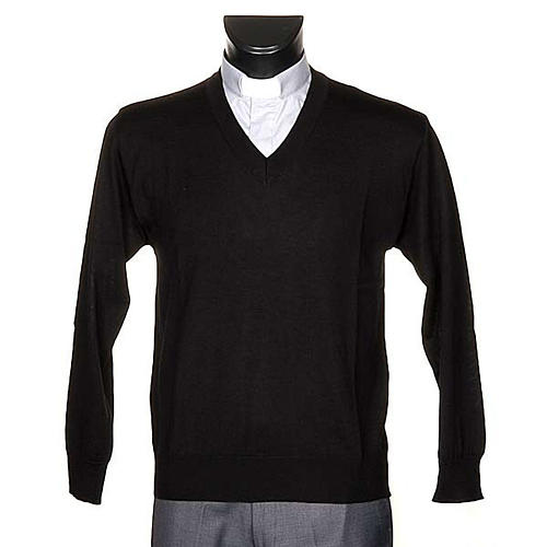 Light wool V-neck pullover 1