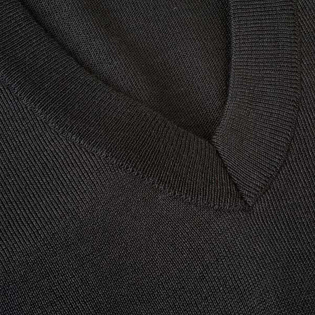 Jersey con cuello V ligero 4