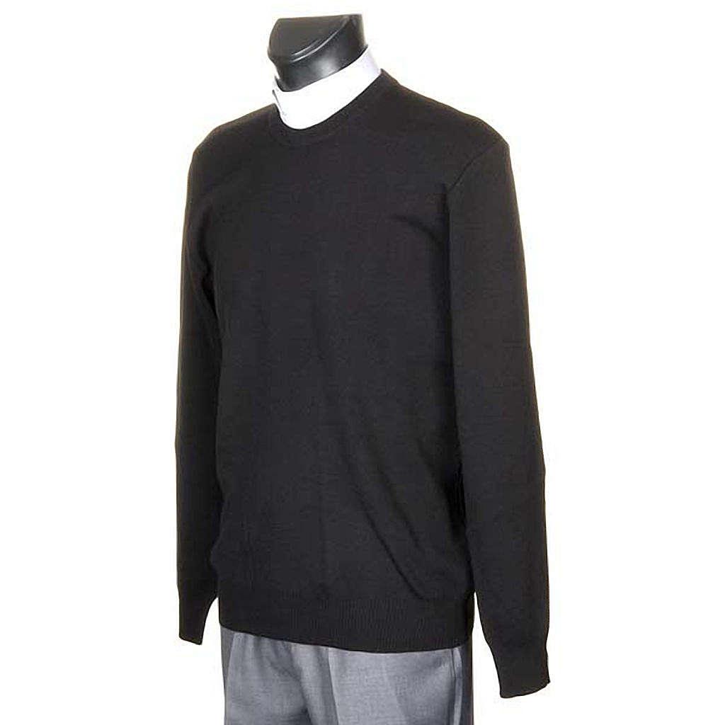Black crew-neck pullover 4