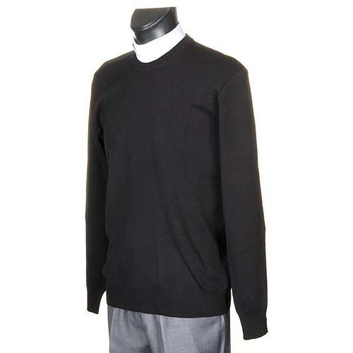 Black crew-neck pullover 2