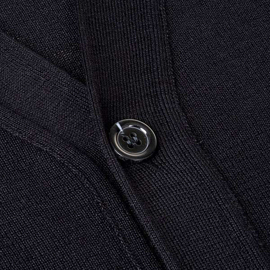 Cárdigan lana con botones negro 4