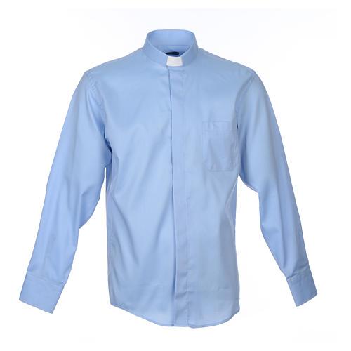 Collarhemd mit Langarm aus leicht zu bügelnden Baumwoll-Polyester-Mischgewebe mit Diagonalmuster in der Farbe Hellblau 1