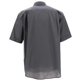 Chemise clergy gris foncé uni manches courtes s4