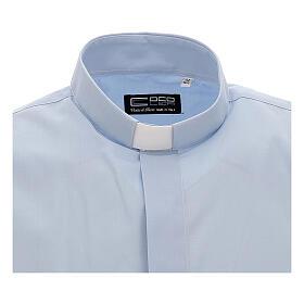 Camisa clergy celeste de un solo color manga corta s3