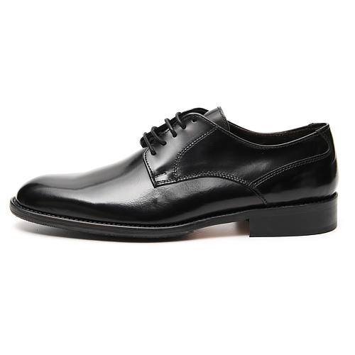 Shoes in polished real black leather 1