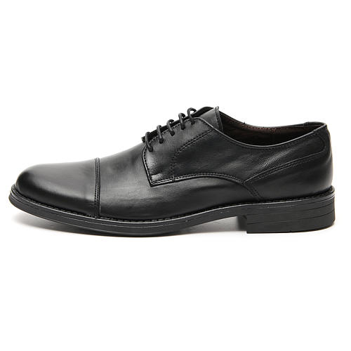 Shoes in opaque real leather, toe cut 1