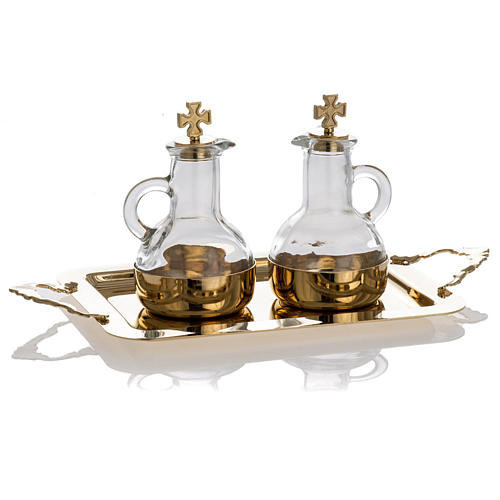 Cruet set in glass and polished brass 2