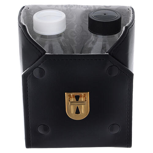 Glass cruets of 125 ml with artificial black leather bag 2