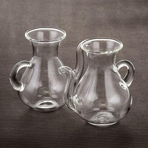 Pareja de vinajeras con pitorro de vidrio 3