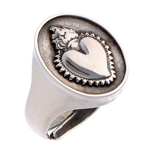 Ring in burnished silver with votive heart 1