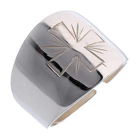 Ring in sterling silver with carved Cross s1