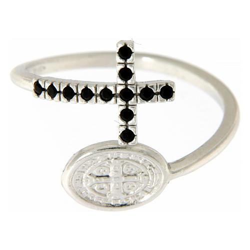 Anillo plata 925 medalla San Benito y cruz con zircones negros 3