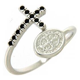 Anel prata 925 medalha São Bento e cruz com zircões pretos