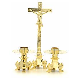 Cruz y candelabros para altar de latón s1