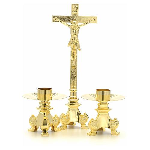 Cruz y candelabros para altar de latón 1