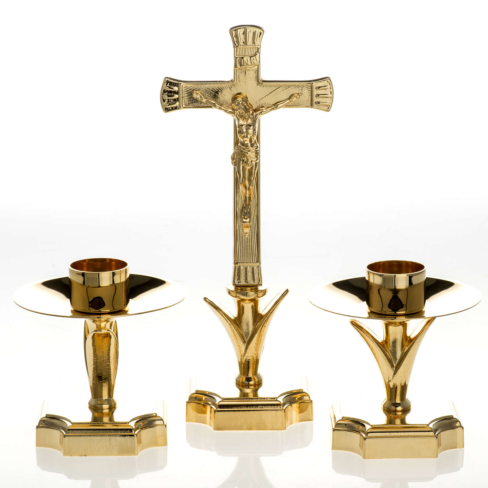 Candelabro para el altar con cruz 4