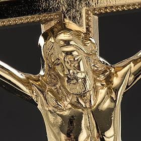 Cruz de mesa y pareja de candelabros de latón 53x30cm s4