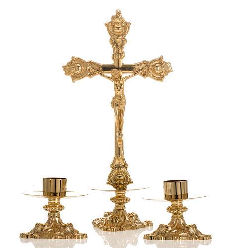 Cruz de mesa e castiçais latão 38x19 cm 1