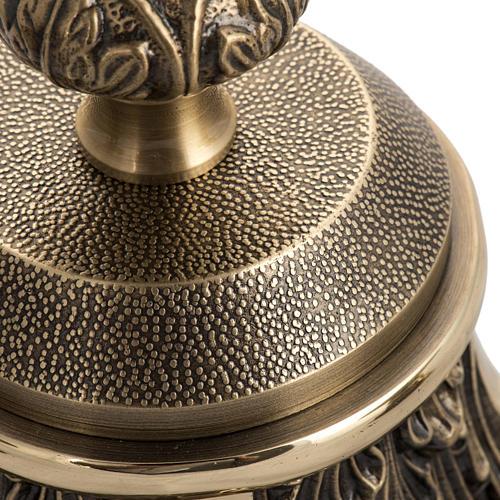 Cruz de mesa y candelabros bronce fundido oxidado 5