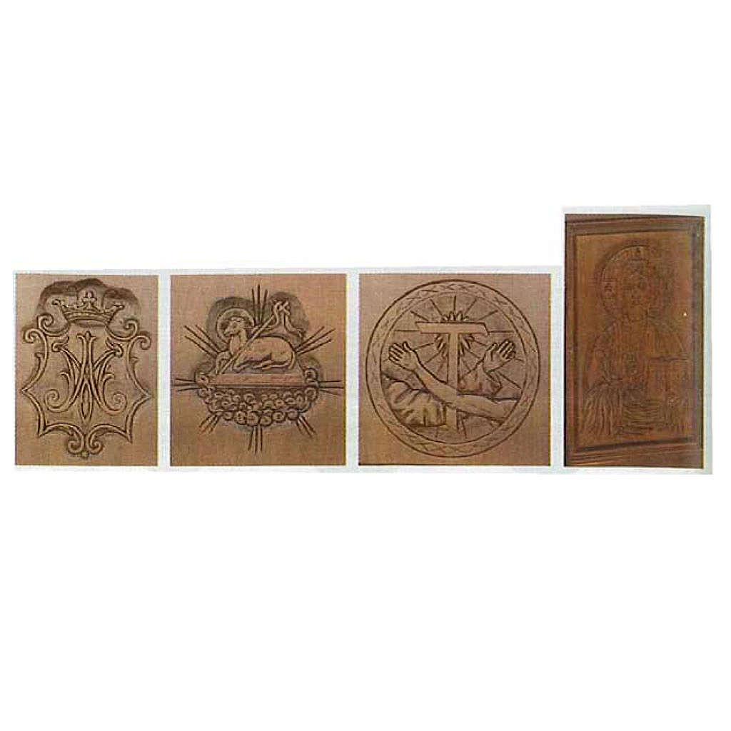 Altare in legno massello intagliato a mano 4