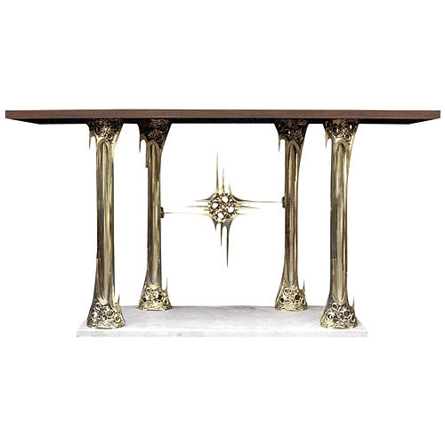 Altar in gold-plated brass and marble base, 90x180x80cm 1