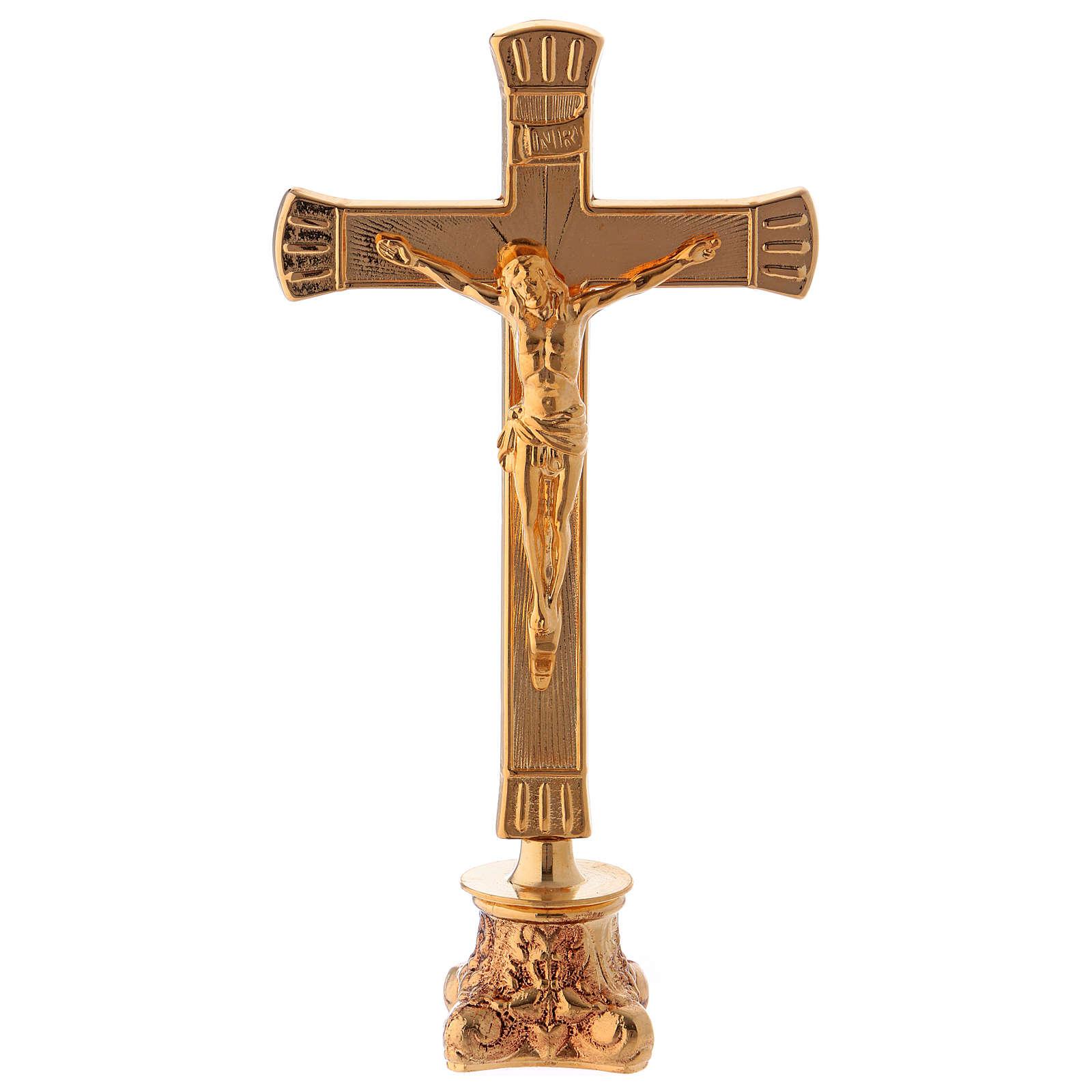 Crocefisso da altare in ottone dorato lucido con base anticata 4