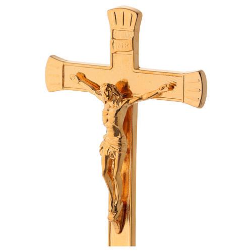 Crocefisso da altare in ottone dorato lucido con base anticata 2