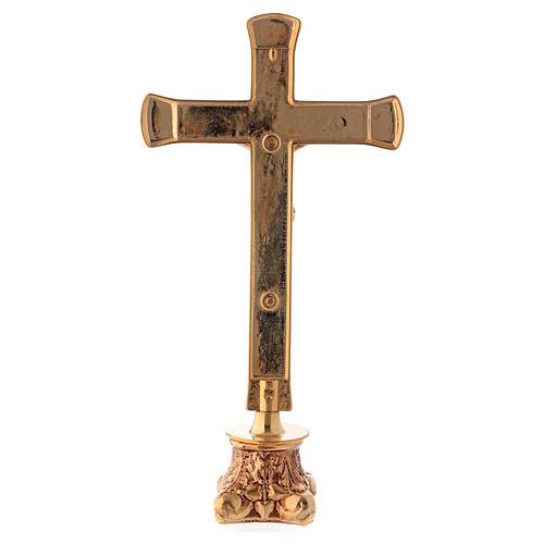Crocefisso da altare in ottone dorato lucido con base anticata 3