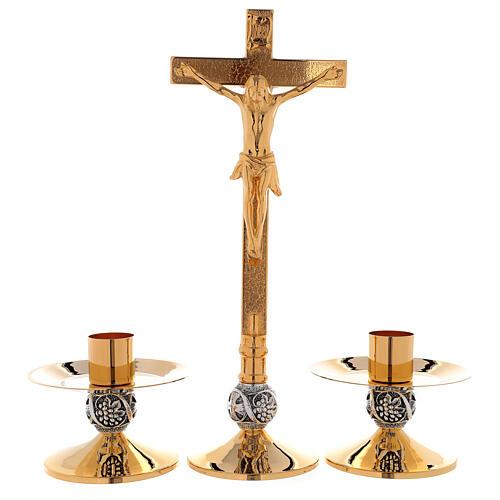 Set de altar cruz y candeleros uva y cruz latón dorado 24k 1