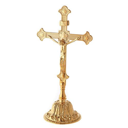 Cruz de altar con candeleros base floral latón 2