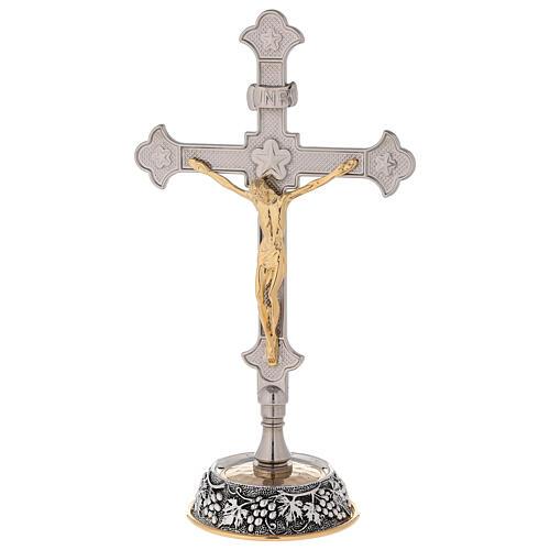 Cruz altar uva y hojas de vid con candelabros 5