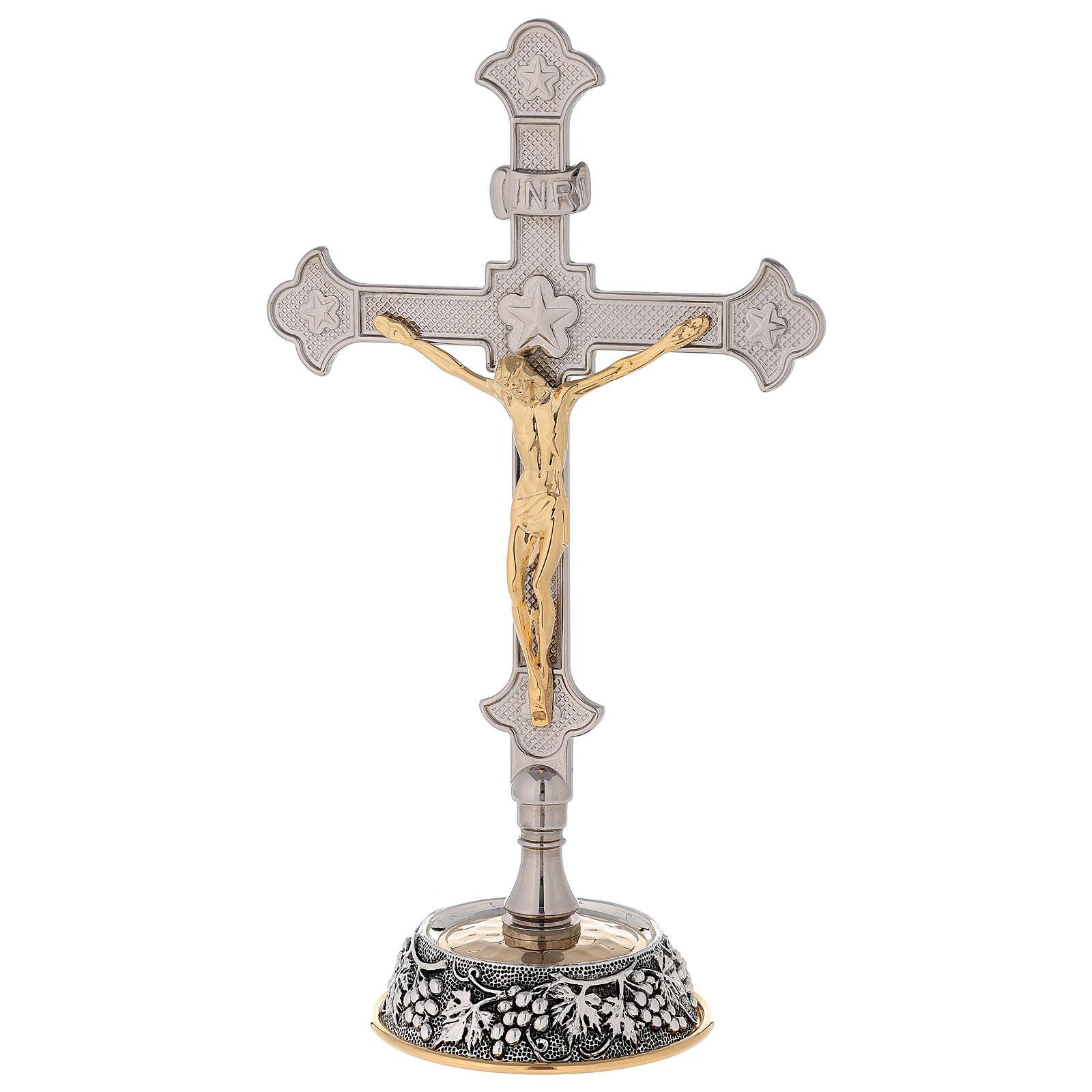 Croce altare base uva e foglie di vite con candelabri 4