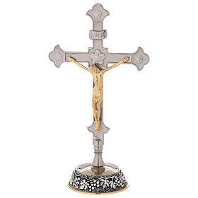 Croce altare base uva e foglie di vite con candelabri s5