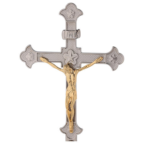 Croce altare base uva e foglie di vite con candelabri 2