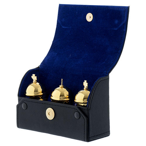 Chrismatory set: 3 holy oil stocks case blue inside 3