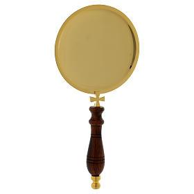 Piattino per comunione ottone dorato manico legno s2