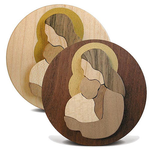 Round wooden favour with Virgin Mary with Baby Jesus 1