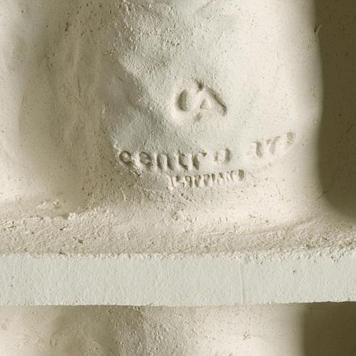 Bassorilievo Crocifissione stilizzata argilla bianca 40 cm 4