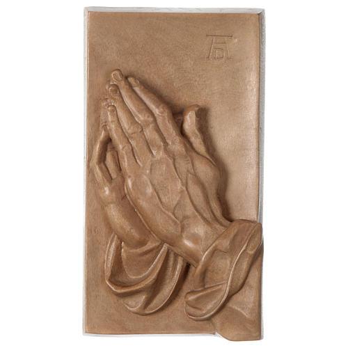 Bajorrelieve manos juntas madera Val Gardena patinada 1