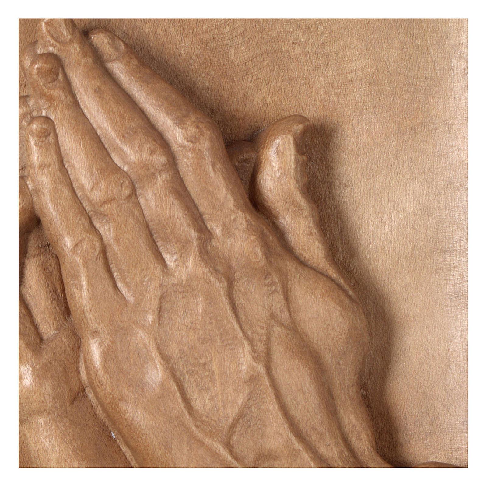 Bas-relief mains jointes bois Valgardena patiné 4