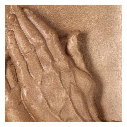 Bassorilievo mani giunte legno Valgardena patinato 2