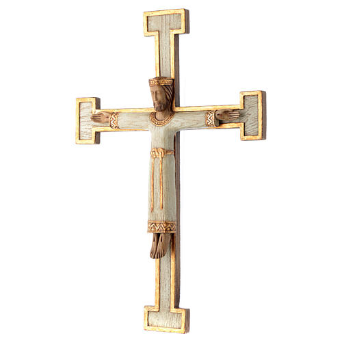 Crucifix en pierre, Chist, roi en blanc, croix blanche 2