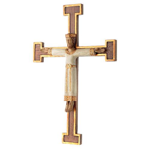 Crucifix en pierre, Chist, roi en blanc, croix marron 2