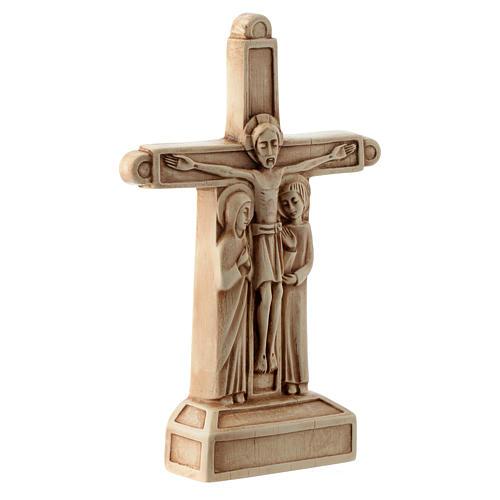 Crucifix en pierre, ivoirine 3