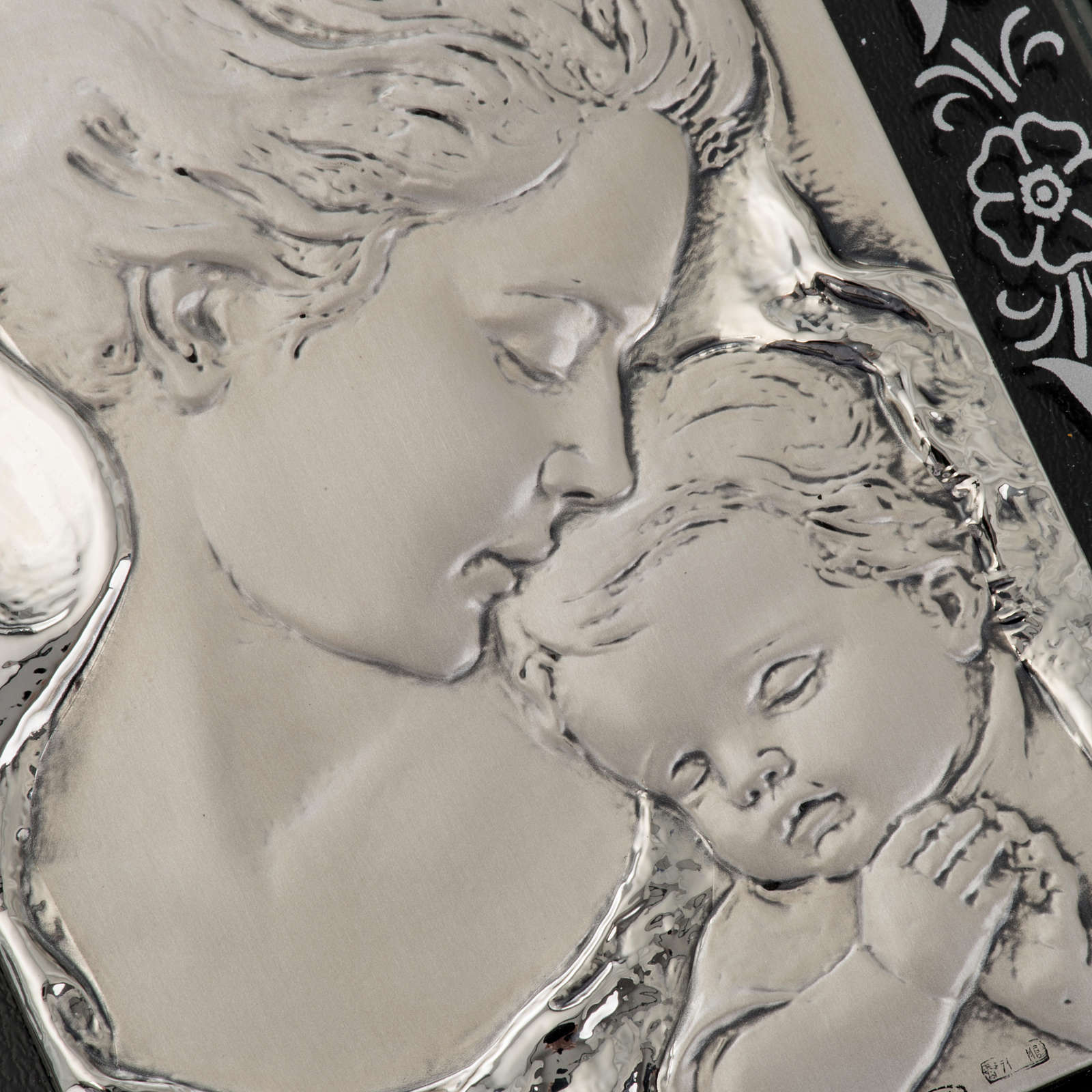Bas-relief in silver, flowers, Mary and baby Jesus 4
